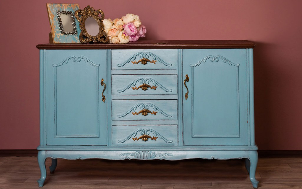 types of antique dressers for bedroom